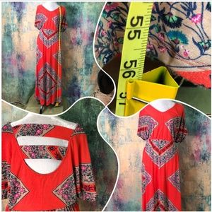 American Rag Cie Dresses - 🔥American Rag Cie Floral Dress with hot backside